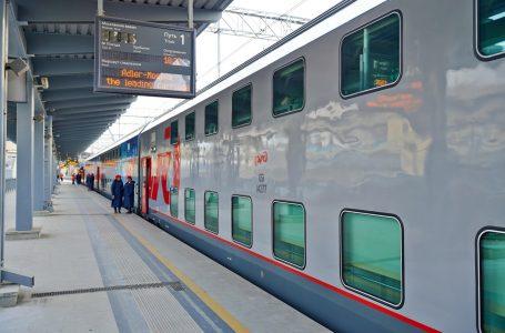 Фирменный поезд «Адлер-Москва двухэтажный»